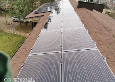 Saulės elektrinė ant bituminio stogo